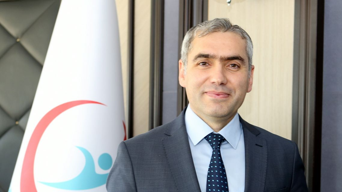 titck-baskani-dr-hakki-gursoz-un-dunya-eczacilik-gunu-mesaji-25092019101915